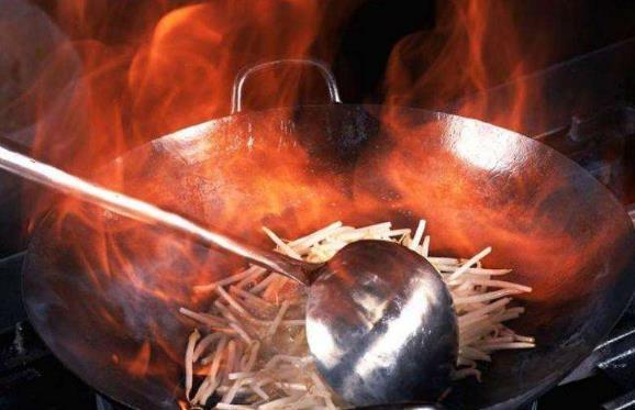 铝锅有毒?铁锅补铁?炒菜的炒锅到底该买什么材质的?