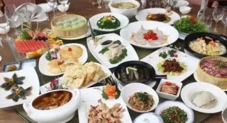 江苏泰州特色小吃 泰州梅兰宴有18道菜取名于梅兰芳代表剧