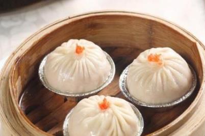 江苏镇江四大特色小吃 传统名点蟹黄汤包已有二百多年历史