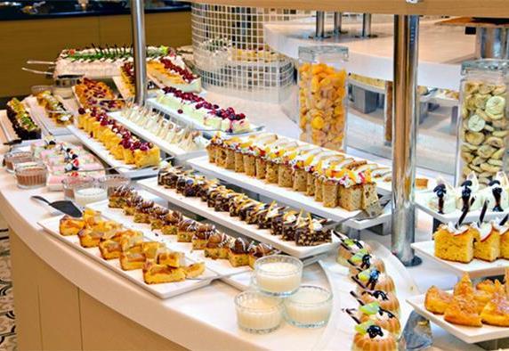 全球顶级自助餐厅 拉斯维加斯凯撒宫每天提供500多种自助菜品