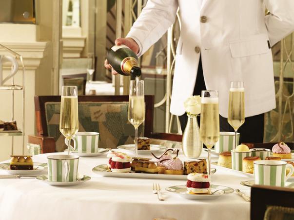 英国下午茶最佳餐厅 TheRitz是下午茶最有名的地方之一