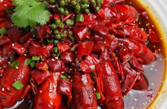 怎么把小龙虾的壳快速剥开图解 简单4步,剥出白嫩嫩的虾肉