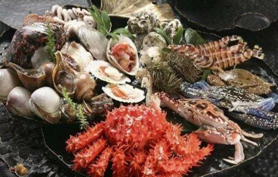 海鲜食用禁忌问题 螃蟹是用避孕药喂大的吗 海鲜+维C=砒霜?