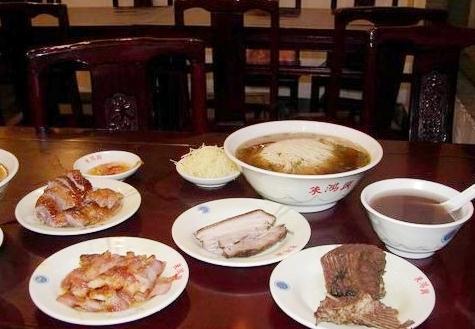 苏州人的一碗汤面,让你融入苏式生活之中!苏州人吃面是有传统的