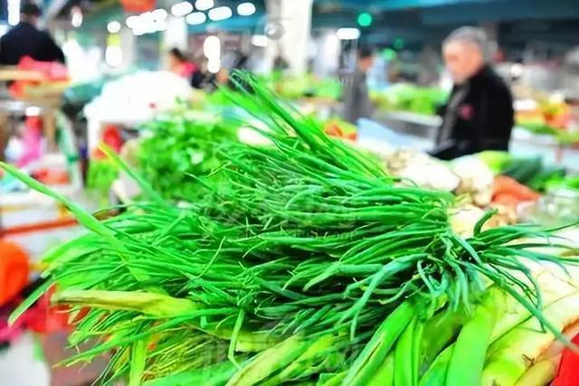 菜市场淋水青菜有营养吗?聪明人从不买的十种菜,你也最好别买