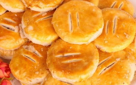 广东潮州点心老婆饼的由来 正宗老婆饼的制作方法