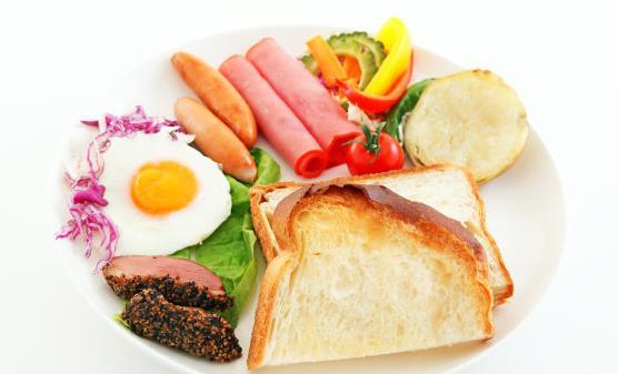长期不吃早餐易患胃病 健康吃早餐种类要丰富