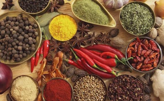 夏季7大饮食禁忌要注意:夏季忌多吃寒凉食物、热性食物及调料