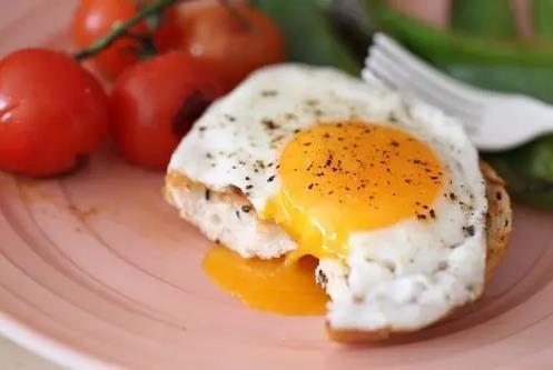 溏心蛋、全熟蛋及煮鸡蛋、煎鸡蛋和炒鸡蛋,哪种营养价值更高