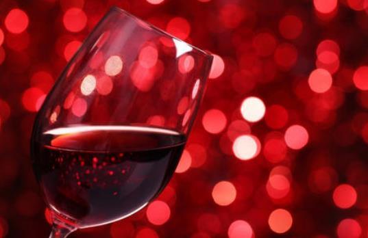 女人喝红酒有哪些好处(红酒营养价值)?哪些人不能喝红酒