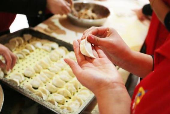 过年包饺子为什么放硬币的寓意?春节为什么要吃饺子?