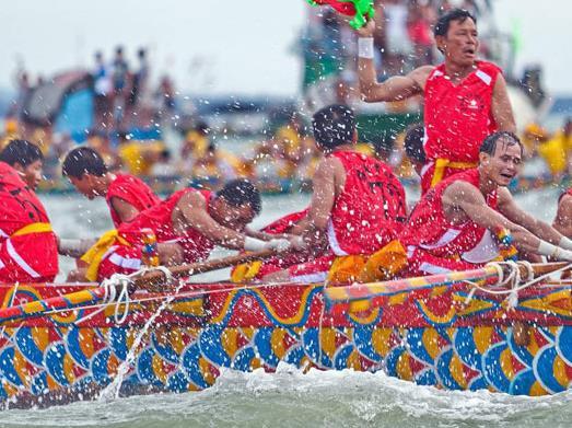 2021端午节哪里能划龙舟?端午节赛龙舟要多少人(龙舟参赛队员25人)