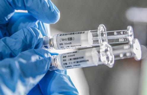 接种新冠疫苗出汗会有影响吗?打完新冠疫苗贴防水创可贴能洗澡吗