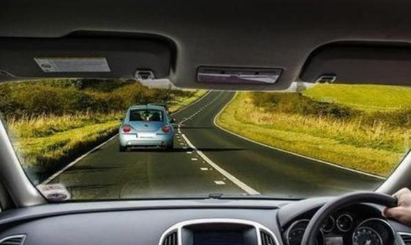 汽车靠左行驶的国家和地区有哪些