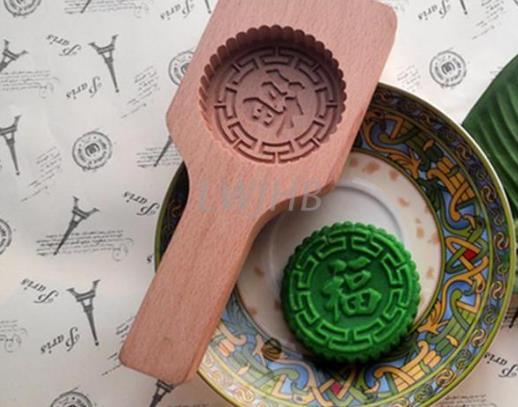 月饼模具刚买来要洗吗?月饼模具是木质的好还是塑料的好