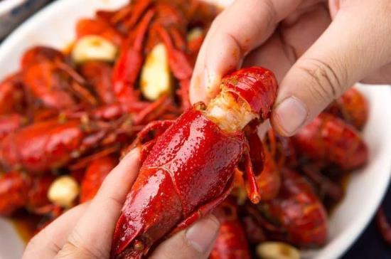小龙虾冷冻需要过水吗?冷冻的小龙虾怎么加热?