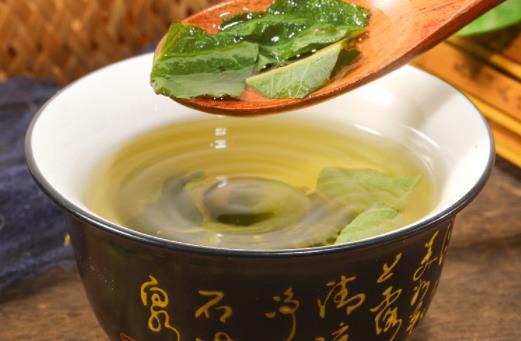 经常喝荷叶茶有什么坏处?每天喝荷叶茶减肥吗