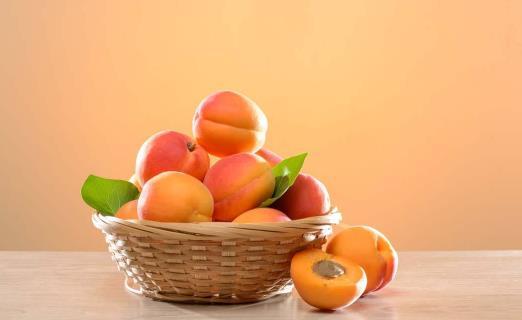 黄桃为什么不甜?黄桃怎么吃才好
