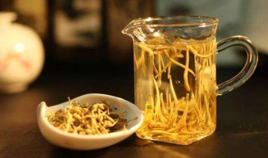 金银花泡水喝对皮肤好吗?金银花泡水的用量是多少