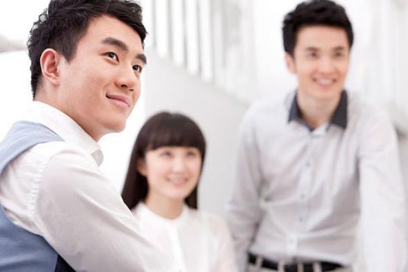 同事能发展成为朋友吗?